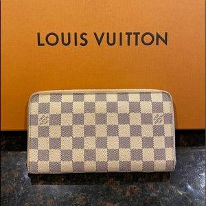 Louis Vuitton zippy organizer Damier Wallet